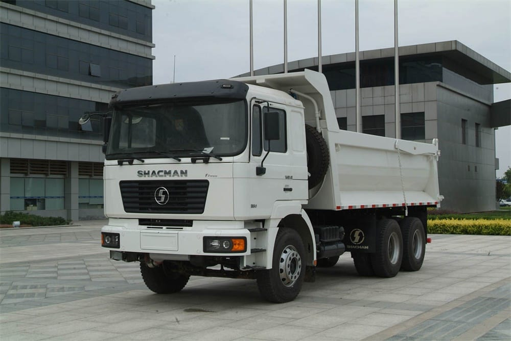 white 6x4 tipper