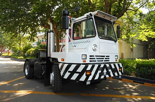 Leading Manufacturer for Shacman Red 6×4 Primer Mover -